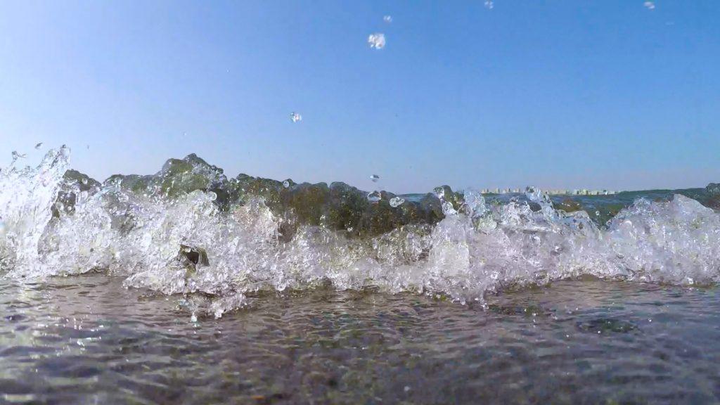 波打ち際の写真