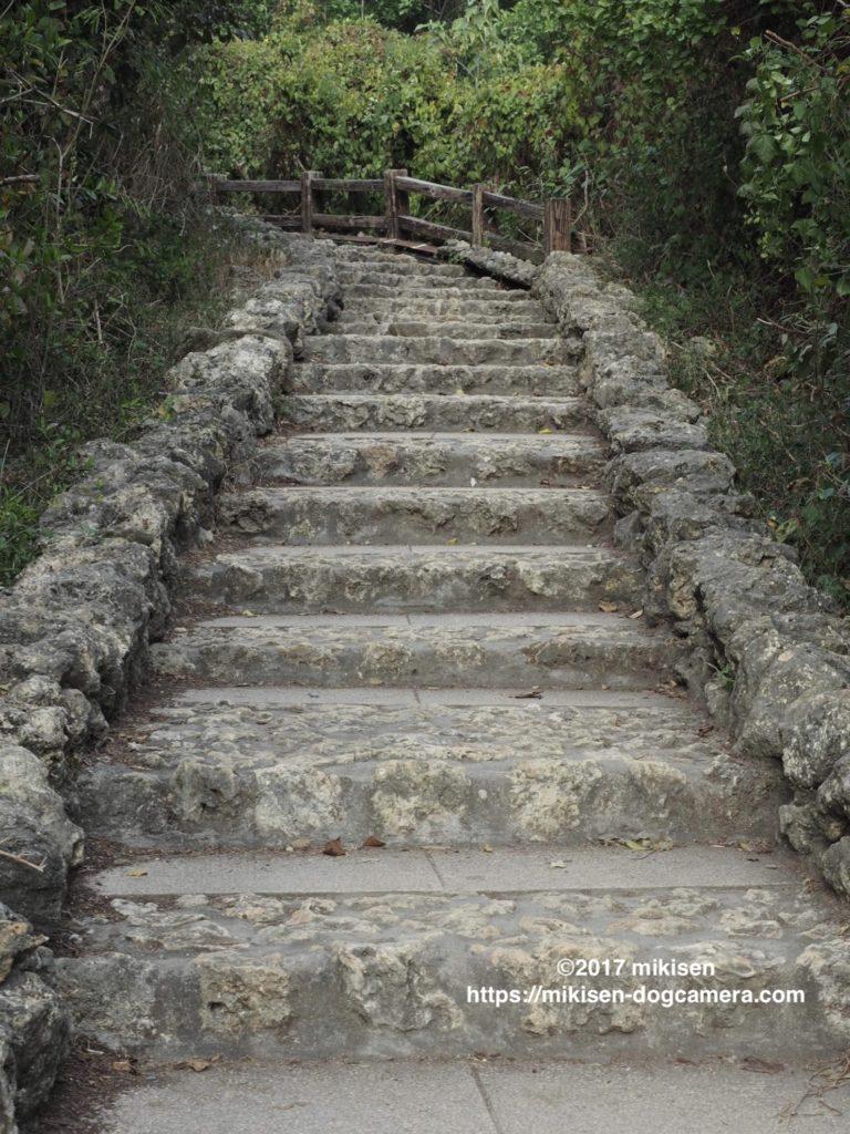 旗後灯台へ続く階段