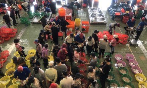 蚵仔寮魚市場