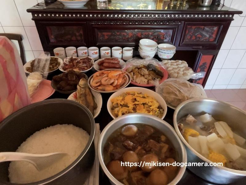 台湾の家庭の祭壇